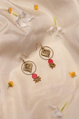 Red and Gold Tone earrings DEr81